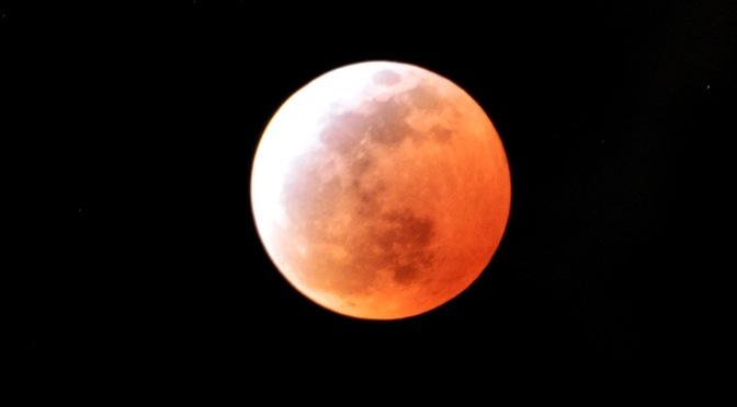 Eclipses: lunar, solar e a Lua de Sangue
